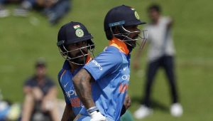 India Vs South Africa 3rd ODI : Kohli and Dhawan scores 50 to guide the innings halfway through