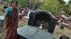 ಮಹಿಳಾ ದಿನಾಚರಣೆ ವಿಶೇಷ:ಸ್ಮಶಾನದಲ್ಲಿ ಕೆಲಸ ಮಾಡುವ ನೀಲಮ್ಮನ ಸಾಹಸಗಾಥೆ