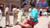 ಹುತಾತ್ಮನ ಮಗನನ್ನು ಹೊತ್ತು ಕಣ್ಣೀರಿಟ್ಟ ಪೊಲೀಸ್: ವೈರಲ್ ಚಿತ್ರ