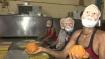 ಮುಂಬೈ: ನರೇಂದ್ರ ಮೋದಿ 'ಮುಖವಾಡ' ಧರಿಸಿ ಲಡ್ಡು ತಯಾರಿ