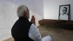 ಕ್ರಿಮಿನಲ್ ಕೇಸ್ ಇರುವ ಸಾವರ್ಕರ್ ಗೆ ಭಾರತ ರತ್ನ: 'ಗಾಡ್ ಸೇವ್ ದಿಸ್ ಕಂಟ್ರಿ'