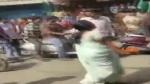 ವಿಡಿಯೋ: ಸಿಎಎ ವಿರುದ್ಧ ಪ್ರತಿಭಟನಾಕಾರರ ಮೇಲೆ ಖಾರದಪುಡಿ ಎರಚಿದ ಮಹಿಳೆ