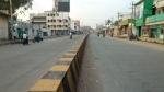 ಹೆಚ್ಚಾದ ಕೊರೊನಾ ಕೇಸ್: ಚಾಮರಾಜನಗರದಲ್ಲಿ ರಸ್ತೆ ತಡೆ