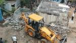 ಹಿರಿಯೂರು ನಗರಸಭೆ ಅಧಿಕಾರಿಗಳಿಂದ ಅಕ್ರಮ ಮನೆಗಳ ತೆರವು