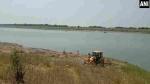 ಗಂಗೆಯಲ್ಲಿ ಶವಗಳ ರಾಶಿ, ನಮ್ಮದಲ್ಲ ಉತ್ತರ ಪ್ರದೇಶದ್ದು ಎಂದ ಬಿಹಾರ