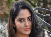 ಸ್ನಿಗ್ಧ ಸುಂದರಿ ಮಿಯಾ ಜಾರ್ಜ್