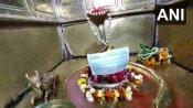 ಕಾಶಿಯ ವಿಶ್ವನಾಥನಿಗೂ ಕೊರೊನಾ ಭಯ: ದೇವರಿಗೂ ಬಂತು ಮಾಸ್ಕ್