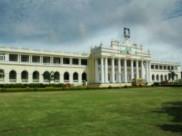ನೀರಿಗಾಗಿ ಪರಿತಪಿಸುತ್ತಿದ್ದಾರೆ ಮೈಸೂರು ವಿವಿ ಹಾಸ್ಟೆಲ್ ವಿದ್ಯಾರ್ಥಿನಿಯರು