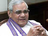 a b Vajpayee turns 86