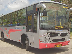 BMTC Conductor misbehaves