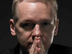 Julian Assange to be extradited from London to Sweden