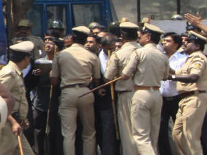 Police crackdown on Bangalore lawyers