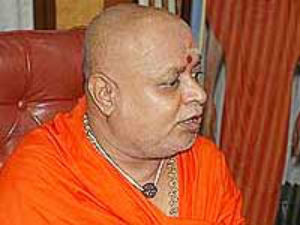 BJP crisis, Seer called Okkaliga MLA's to unite