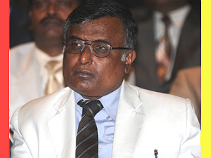 denotification-lokayukta-judge-take-kumaraswamy-to-task