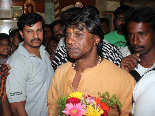 duniya vijay celebrates birthday with mother