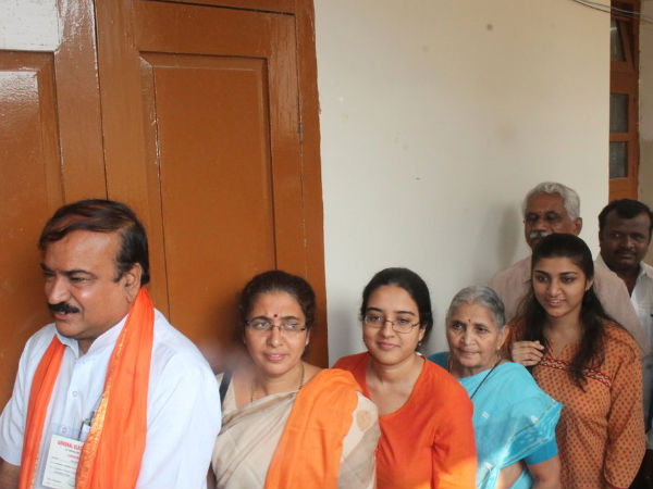 Ananthkumar and family