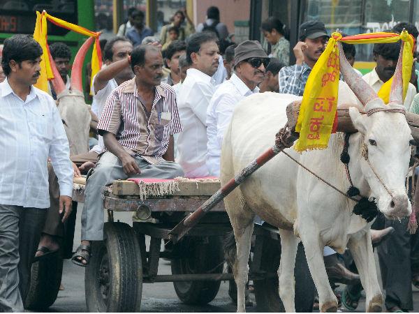 Vatal Nagaraj Government Should Immediately Nationaliz All Unaided Sch