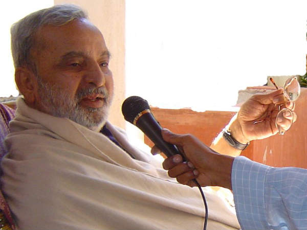 What is this Dr U.R. Ananthamurthy?