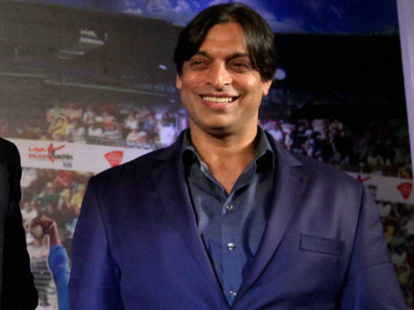Former Cricketer Shoaib Akhtar Marries 20 Year Old Girl