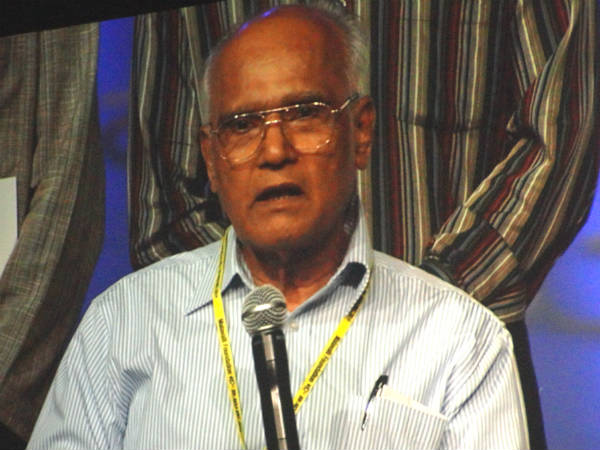 Dr SL Bhyrappa releases 6 Kannada books at WKC USA