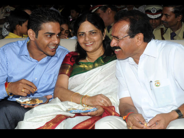 High Court gives Two more weeks relief to Karthik Gowda