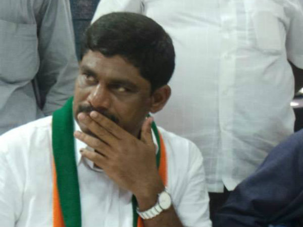 Expel MP Pratap Simha from BJP for triggering communal violence : DK Suresh