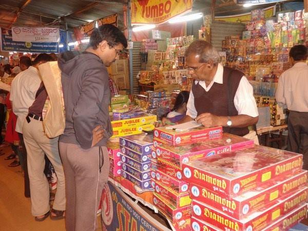 Sc Bans Sale Firecrackers Delhi Ncr Till November