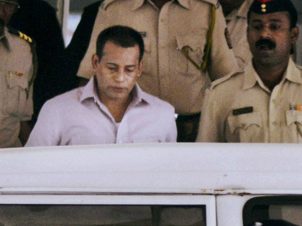 Didn't go to Sanjay Dutt's house and give him weapons in 1993, Abu Salem says