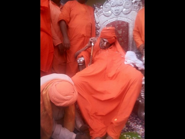 Siddaganga Seer Recovering From Illness At Bgs Hospital