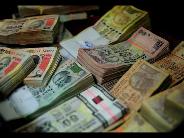 Modi wipes out a Rs 12,00,000 crore fake currency racket