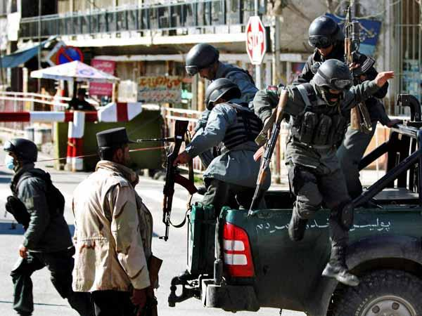 Taliban Frees 350 Inmates Kills Police Afghan Ghazni Province Jail Raid