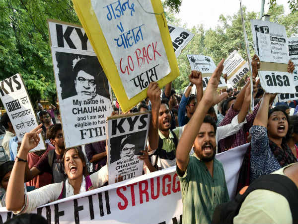 FTII students end hunger strike; talks to resume on Tuesday