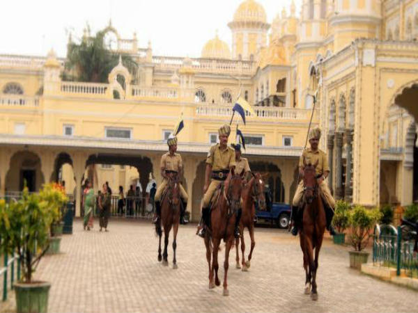 Mysore Dasara another attraction is Ashvarohi dala
