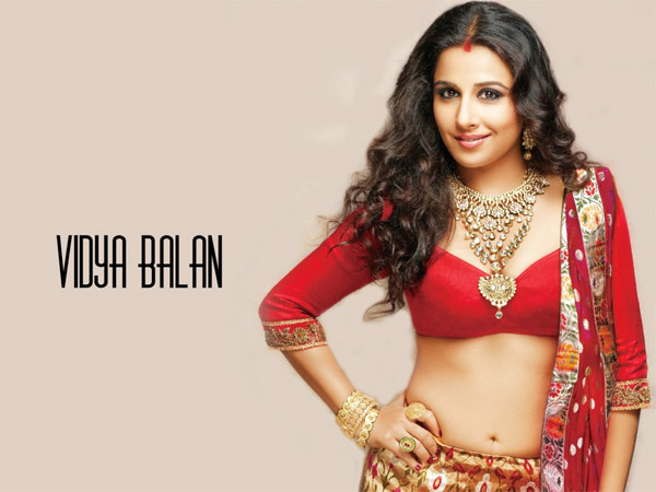 Vidya Balan Meets With An Accident Escapes Unhurt