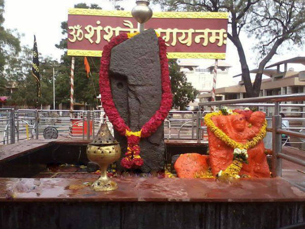 Women activists barred from entering Shani Shingnapur temple