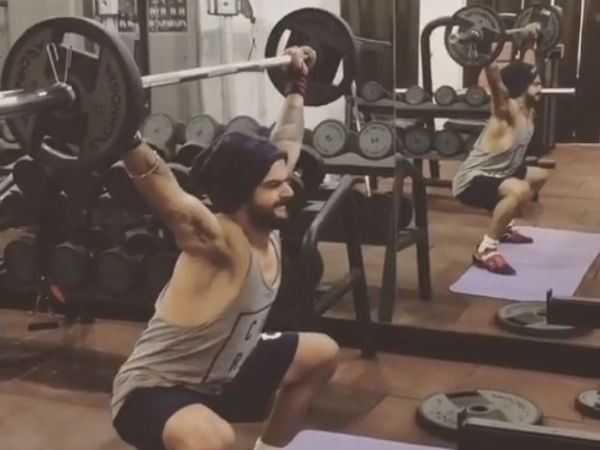 Kohli working out tirelessly at gym