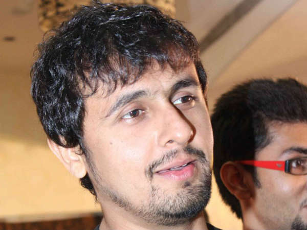 Jet crew suspended for allowing Sonu Nigam to sing mid-air