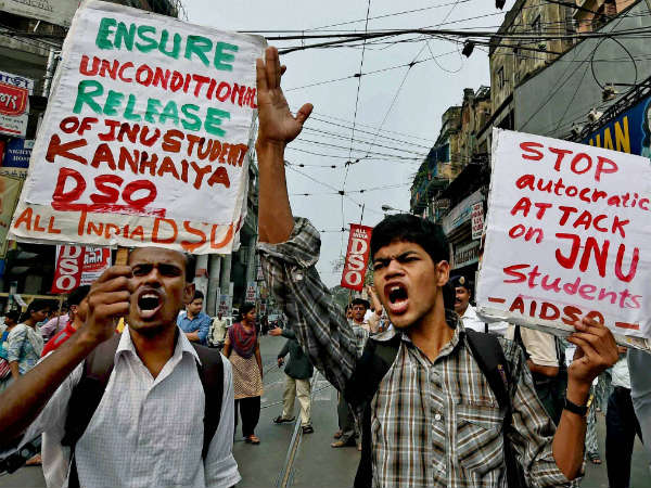 Anti-national slogans reverberate in Kolkata too