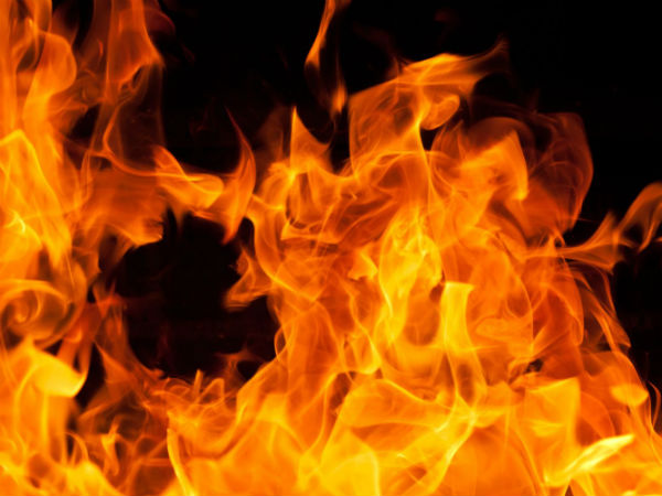 A lover fired his girl friend house in Bengaluru