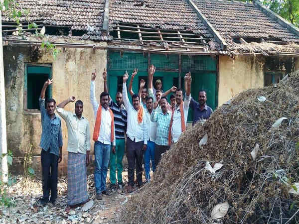 No shelter to tahsildar, residential house at worst stage in Mandya