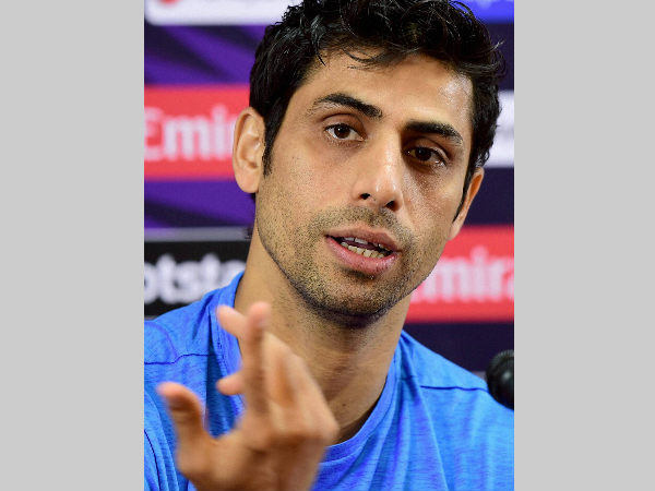 Ashish Nehra trolled for 'using old Nokia phone' comment