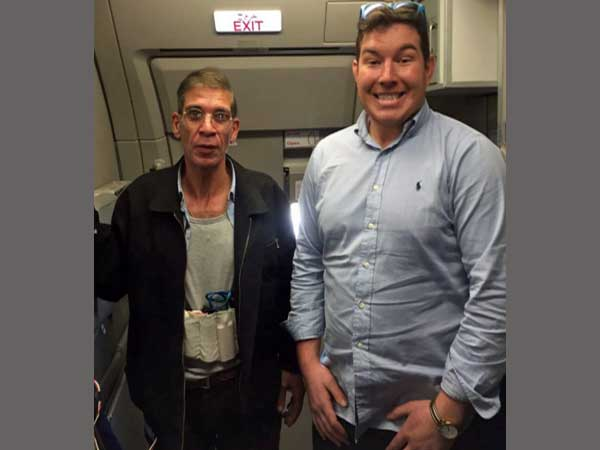 British hostage clicks a picture with EgyptAir hijacker