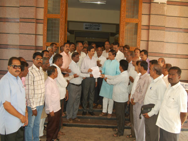 PUC Lectures Boycott evaluation, demand better pay in Gadag