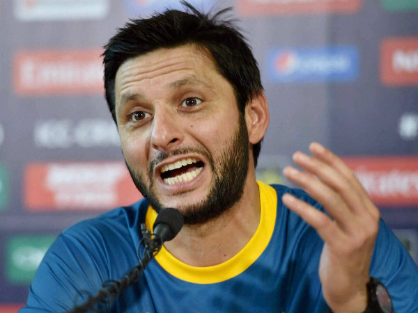 Controversy: Notice against Shahid Afridi for 'getting more love in India'