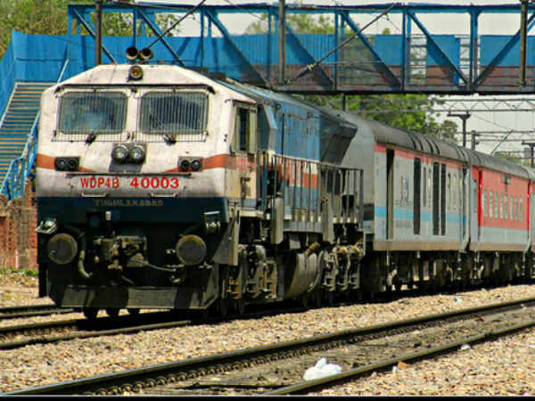 Special AC train to Mumbai to run for three more weeks