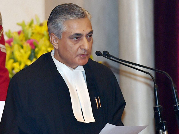 CJI TS Thakur breaks down in front of Modi over need for more judges