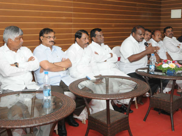 HD Kumaraswamy faces humiliation again in Mysuru