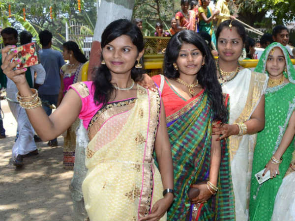 Beautiful girls in saree rock at folk festival in Mandya