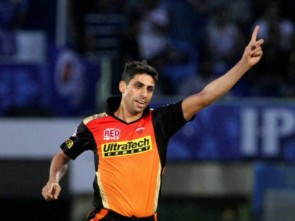 India pacer Ashish Nehra to undergo right knee surgery