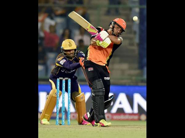 IPL 2016: Hyderabad knock Kolkata out, to face Gujarat in Qualifier 2